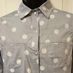 🌵Gray Polka Dot Button down shirt